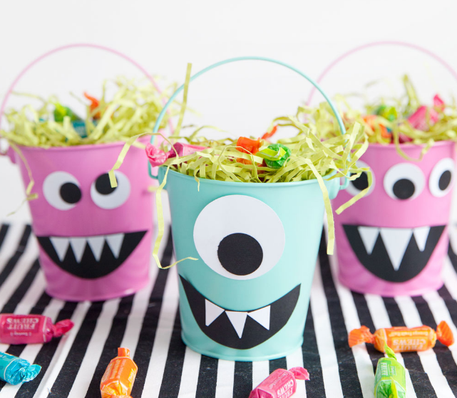 9 Clever Halloween Decorations To Make With Dollar Store Things