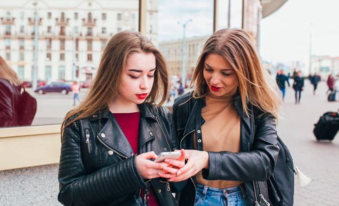 Am I Astrologically Compatible With My Friends? These Zodiac Signs Wind Up Having Toxic Friendships