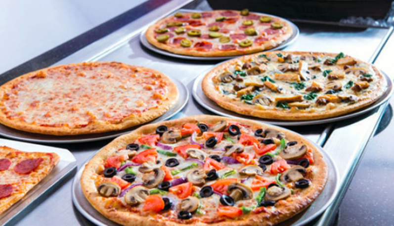 Get a FREE Personal Pizza at Chuck E. Cheese!