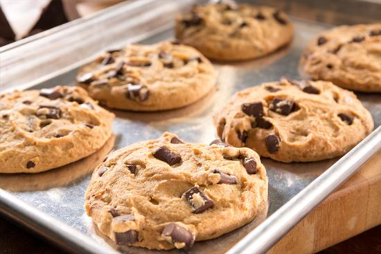 Get 6 FREE Cookies from Max & Erma's